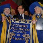 intronisation de François Hollande dans la Confrérie au salon  Agriculture 2014