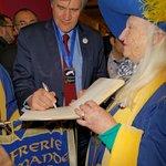 intronisation et signature du livre d'Or par Stéphane Le Foll Minsistre de l'Agriculture salon P