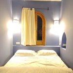 ブルーが印象的な部屋