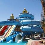 Аквапарк с теплым бассейном