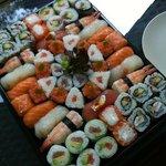 Plateau géant de sushis