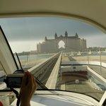 Hotel Atlantis vue du Monorail