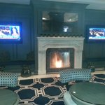 Melrose hotel: fireplace in lobby
