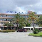 Front of Hotel Fergus Plaza