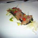 Vorspeise mit frischem Tuna