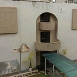 Vista do Anexo em Reforma. Tente ficar no prédio da frente.