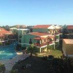 resort/pool view