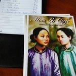 结账后还送了Miss Ly几张明信片
