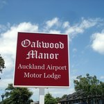Oakwood Manor Foto