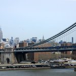 El puente y en el fondo el Empire State