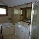 Spa bath and shower