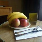 ウェルカムフルーツ。台湾バナナとりんご、みかん!