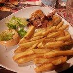 Petto di pollo con bacon e patate