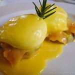 Authentic french classic: Eggs benedicts (made ​​to perfection)