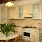 cucina di un appartamento a due piani
