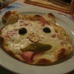 la pizza du menu enfant...garniture au choix !