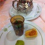 Thé gourmand avec 2 pâtisseries orientales