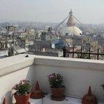Blick von der Hotel-Terrasse zur Boudhanath Stupa