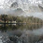 國王湖湖畔倒影