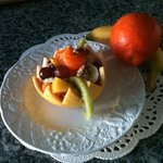 Edible fruit bowl starter