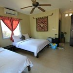 C 10 - Tropical Daze Room