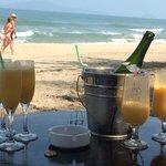 Fresh mango mimosas on the beach