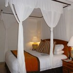 Four poster Bed,very comfortable