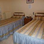 Hostal El Pilar Room # 325