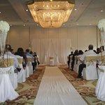 Crowne Plaza Niagara Falls .. The Brock Room .. Ceremony