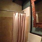 Room H4 - bathroom