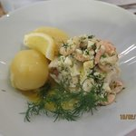 fish in buttery sauce with shrimps and dill