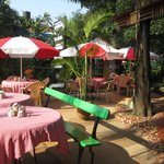 relaxed garden cafe