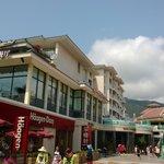 La Floret Shopping Centre