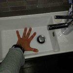 Diciamo che non è stato facile lavarsi le ascelle la mattina...