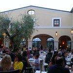 il meraviglioso chiostro ristorante