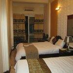 Улучшенный номер с 2-мя кроватями и балконом