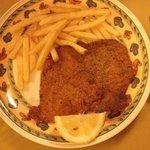 Cotoletta alla milanese con patatine fritte