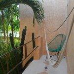 balcon habitacion contrafernte a jardines del hotel
