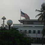 vista dal terrazzo della camera: ambasciata USA