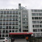Вид главного входа в отель