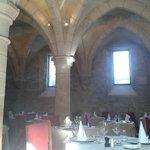 la salle de restaurant dans les anciens celliers