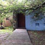 La entrada a la cabaña grande