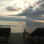 vu sur la mer avec coucher de soleil