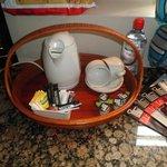 carina la possibilità di prepararsi del thè o del caffè