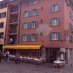 Hotel Adler aan de kant van de Niederdorffstraße.