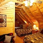 Photo de Four Seasons Cottages & Cabins
