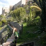 bonito recorrido junto al castillo almuñecar