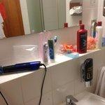 зеркало и раковина