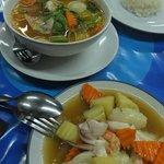Meeresfrüchte mit Kartoffeln & tom yum suppe