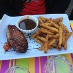 Magret de canard et frites maison extra